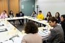 Alumnes de secundària es reuneixen en comissió en el marc del 18è del Consell del Joves