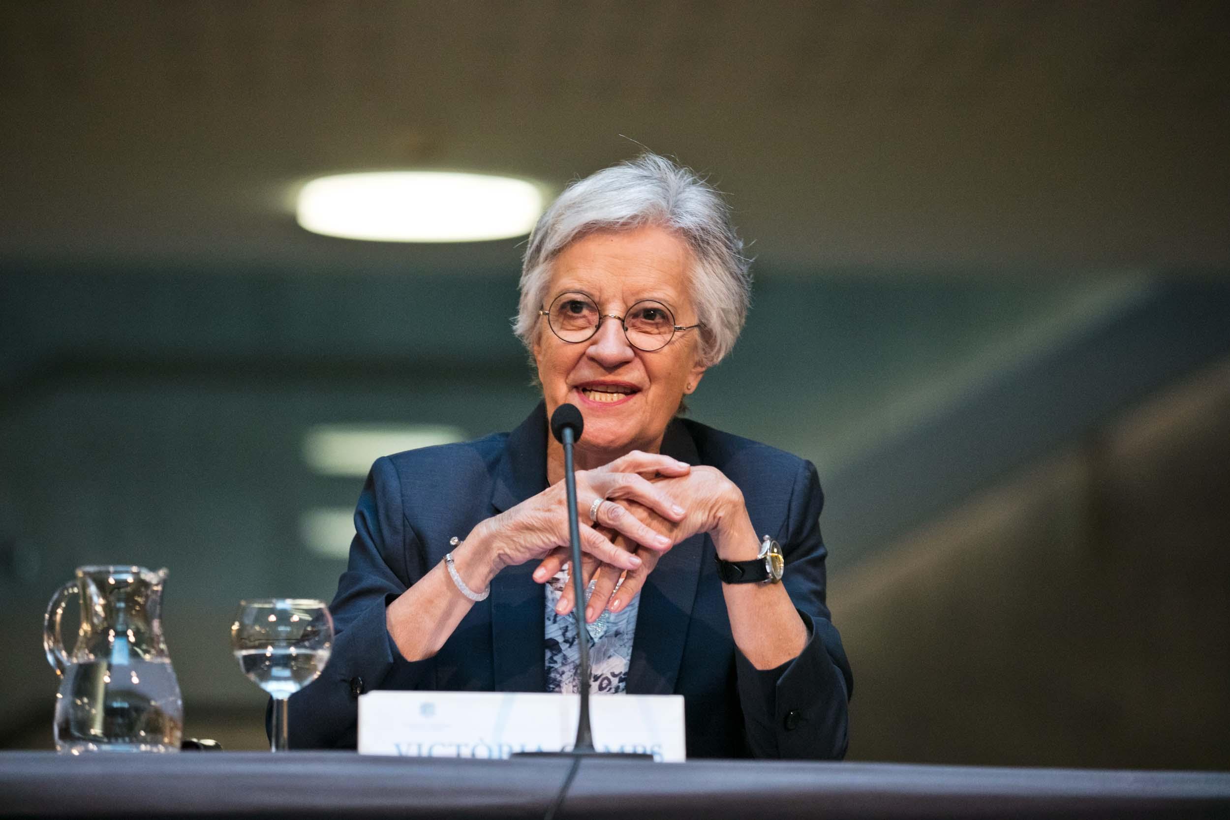 Victòria Camps pronuncia la conferència 'Cap a una democràcia il·lustrada'